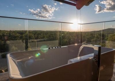 Gilberton Retreat Bath with View